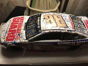 【送料無料】模型車 モデルカー スポーツカーデイルアーンハートジュニアライオネルマーティンズヴィルレース2014 dale earnhardt jr lionel national guard martinsville raced win 124