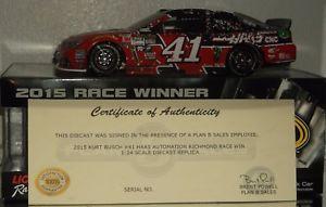 【送料無料】模型車 モデルカー スポーツカー#サイングリーン2015 kurt busch 41 haas automation richmond win autographed wgreen 124 wcoa