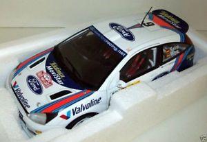 【送料無料】模型車 モデルカー スポーツカーアクションフォードフォーカスモンテカルロラリーサインツモヤaction 118 ac8 008906 ford focus wrc monte carlo rallye 2000sainz moya