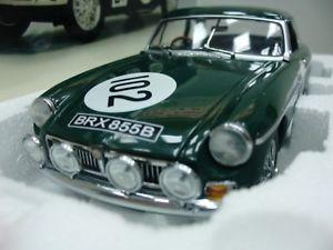 【送料無料】模型車 モデルカー スポーツカーワウグアテマラ#キロニュルブルクリンクオートアートwow extremely rare mgb mkii gt 102 1000 km nrburgring 1967 118 auto artmgc