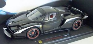 【送料無料】模型車 モデルカー スポーツカーホットホイールスケールフェラーリストライプエリート