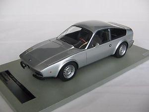 【送料無料】模型車 モデルカー スポーツカースケールアルファロメオジュニアメタルシルバー118 scale tecnomodel alfa romeo 1300 junior zagato 1971 metal silvertm1821a