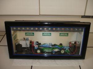 【送料無料】模型車 モデルカー スポーツカーフェレットモデルシューマッハベネトンキャビネットフォーミュラferrets mini model m schumacher benetton b194 in cabinet formula 1