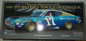 【送料無料】模型車 モデルカー スポーツカーサインデビッドピアソン#レーシングトリノautographed signed david pearson 17 university of racing 1969 torino talladega