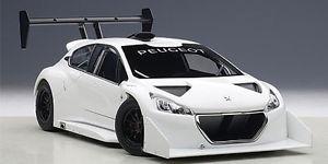 【送料無料】模型車 モデルカー スポーツカープジョーパイクスピークホワイトモデルpeugeot 208 t16 pikes peak 2013 white 118 model 81355 autoart