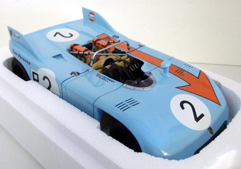 【送料無料】模型車 モデルカー スポーツカースケールポルシェニュルブルクリンクベル#autoart 118 scale 87173 porsche 90803 nurburgring 1971 bell siffert 2