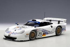 【送料無料】模型車 モデルカー スポーツカーオートアートポルシェグアテマラ#auto art 89772 118 porsche 911gt1 25