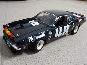 【送料無料】模型車 モデルカー スポーツカープリマスバーダトランス#ダンガーニーカーモデル1970 plymouth trans am barracuda 48 dan gurney cuda acme car model 118