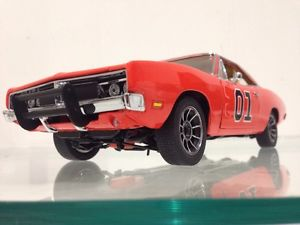 【送料無料】模型車 モデルカー スポーツカーナスカーレーサーランナー1969 dodge charger moonshine runner dukes of hazard nascar racer 124
