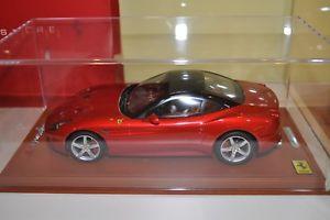 【送料無料】模型車 モデルカー スポーツカーフェラーリカリフォルニアエンツォメタリックベースレザーショーケースbbr ferrari california t red enzo metallic base leather and showcase 118