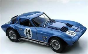 【送料無料】模型車 モデルカー スポーツカーレーシング#;コルベットグランドスポーツ#ドンexoto 039;racing legends039; 118 corvette grand sport 14 don yenko