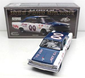 【送料無料】模型車 モデルカー スポーツカーフォイト#サインレーシング1965 a j foyt 00 galaxie autographed 124 university racing wcoa free ship