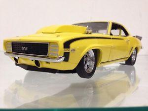 【送料無料】模型車 モデルカー スポーツカーシボレーカマロホットロッドレースカー1968 chevy camaro dragster hot rod racing car 124 mopar