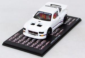 【送料無料】模型車 モデルカー スポーツカーランチアポートlancia evc2 1988 port n bz522 143 bizarre