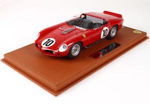 【送料無料】模型車 モデルカー スポーツカーフェラーリ#ヒルルマンショーケースbbr ferrari 250 tr61 10 gendebienhill winner le mans 1961 with showcase 118