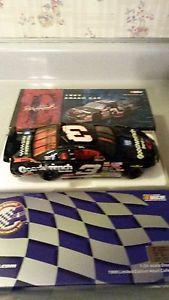 【送料無料】模型車 モデルカー スポーツカーアクションスケールデイルアーンハートクラッシュモンテカルロaction 124 scale dale earnhardt crash car 1997 monte carlo