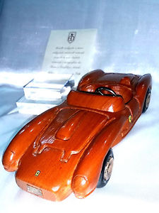 【送料無料】模型車 モデルカー スポーツカーフェラーリフライングシルバーferrari testarossa 250 limited edition wooden wood flying studded silver 925