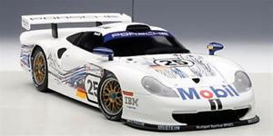 【送料無料】模型車 モデルカー スポーツカーポルシェルマンスタッコ#porsche 911 gt1 1997 le mans 1997 stuccoboutsenwollek 25 autoart 118 aa89772