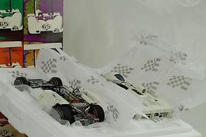 【送料無料】模型車 モデルカー スポーツカーチャパラルシャーシフィルヒルモントレーセットボックス1966 chaparral 2echassis phil hill monterey gift set box 118 exoto ovp