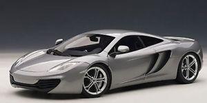 【送料無料】模型車 モデルカー スポーツカーオートアートゲートウェイシルバーモデルjm 2132355 auto artgateway aa76007 mc laren mp412c 2011 silver 118 model