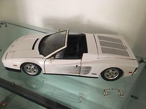 【送料無料】模型車 モデルカー スポーツカーフェラーリクモホワイトpocher ferrari testarossa rivarossi spider white 18