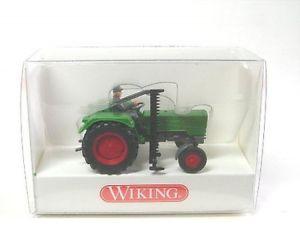 【送料無料】模型車 モデルカー スポーツカートタートウモロコシfendt farmer 2 s with tractor driver and corn thresher
