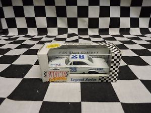 【送料無料】模型車 モデルカー スポーツカーダンガーニー#フォードrcca 164 dan gurney 28 lafayette ford