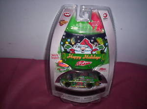 【送料無料】模型車 モデルカー スポーツカーハッピーホリデーサムバス2009 nascar happy holidays sam bass 164 car