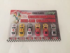 【送料無料】模型車 モデルカー スポーツカーケロッグ#コーンフレークミニカーコレクションkellogg039;s corn flakes commemorative minicar collection nascar 1990 1996
