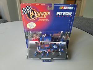 【送料無料】模型車 モデルカー スポーツカーピットローシリーズデイルジャレット#winner's circle nascar pit row series dale jarrett 88