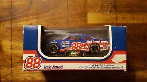 【送料無料】模型車 モデルカー スポーツカーデイルジャレット#スケールデイトナケアrevell dale jarrett 88 164 scale 1996 daytona winner quality care