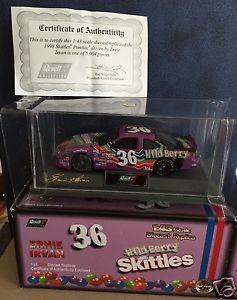 【送料無料】模型車 モデルカー スポーツカーワイルドベリーポンティアック#1998 wild berry skittles pontiac 36 ernie irvan revell 143