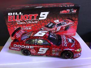 【送料無料】模型車 モデルカー スポーツカーボックスダイカストアクションビルエリオットダッジ in box nascar diecast action collectable bill elliott 9 2002 dodge