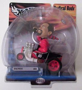 【送料無料】模型車 モデルカー スポーツカーホットホイールレーシングロッドカイルペティ#スプリントhot wheels racing 2001 radical rods 143 kyle petty 45 sprint