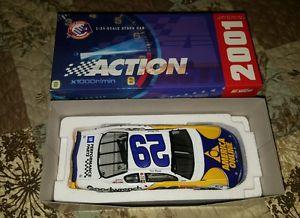 【送料無料】模型車 モデルカー スポーツカーファイル#ナスカーレースカースケールnib 2001 gm performance parts 29 nascar racing car 124 scale car