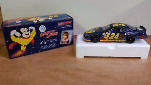 【送料無料】模型車 モデルカー スポーツカーボックスゴードン#ダイカストアクションマイティマウス124 in box 2005 gordon 24 nascar diecast action collectable mighty mouse
