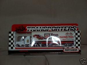 【送料無料】模型車 モデルカー スポーツカースピードホーラ1990 lake speed trop artic cale yarborough hauler mib