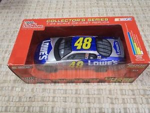【送料無料】模型車 モデルカー スポーツカーチェイスレースジョンソン#スケールchase the race 2002 nascar chevroletjimmie johnson 48 124 scale mib