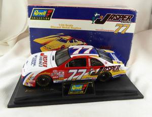 【送料無料】模型車 モデルカー スポーツカージャスパーエンジンサンダーバード#ボビー1996 revell jasper engines thunderbird 77 bobby hillin jr diecast boxed mib