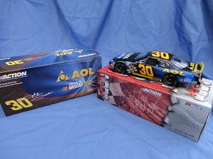 【送料無料】模型車 モデルカー スポーツカージョニーコレクタ2004 johnny sauter aol 124 collectors diecast mib