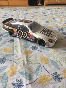 【送料無料】模型車 モデルカー スポーツカースケールアクションフォードトーラス#モデルカーrare 124 scale action 2001 ford taurus ups 88 model car