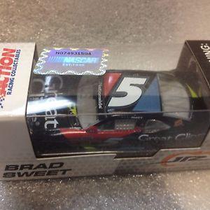 【送料無料】模型車 モデルカー スポーツカーアクション#ブラッドクリップシボレーカマロ164 action nascar 2013 5 brad sweet great clips chevy camaro