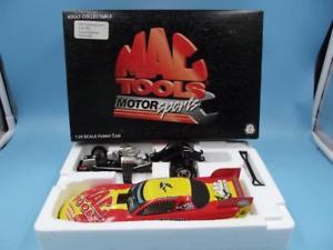 【送料無料】模型車 モデルカー スポーツカーモータスポーツアクションツールmac tools motor sports 124 action 1997 gatornationals funny car 1 of 7500 mib
