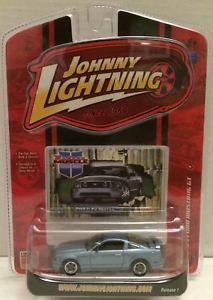 【送料無料】模型車 モデルカー スポーツカージョニー#フォードムスタングtas009409 2007 johnny lightning 039;05 ford mustang gt diecast