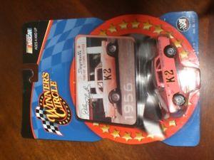 【送料無料】模型車 モデルカー スポーツカーデイルアーンハートピンクdale earnhardt 164 winners circle 1956 k2 pink car