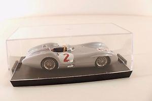 【送料無料】模型車 モデルカー スポーツカーメルセデスグランプリグランbrumm mercedes w196c gp gran bretagna fangio 1954 143 mib