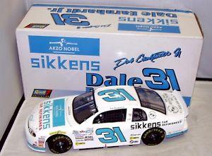 【送料無料】模型車 モデルカー スポーツカー#ホワイト#デイルアーンハートジュニアモンテカルロ118 revell 1999 1997 31 white sikkens 31 dale earnhardt jr monte carlo mib
