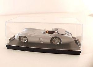 【送料無料】模型車 モデルカー スポーツカーメルセデスbrumm mercedes x196c f1 1955 143 mib