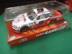 【送料無料】模型車 モデルカー スポーツカーサークル#ダッジケーシーケース great collectible winners circle 9 dodge kasey kahne 124 scale in case