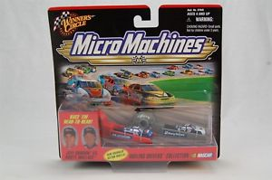 【送料無料】模型車 モデルカー スポーツカー#マイクロマシンドライバージェフゴードンラスティウォレスwinner039;s circle micro machines dueling drivers jeff gordon vs rusty wallace